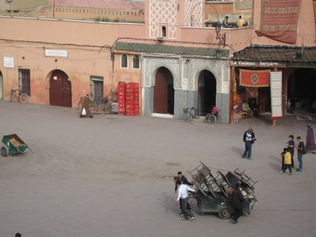 place-jemaa-el-fna-charrette-1